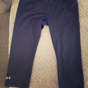 Under Armour black Capri leggings